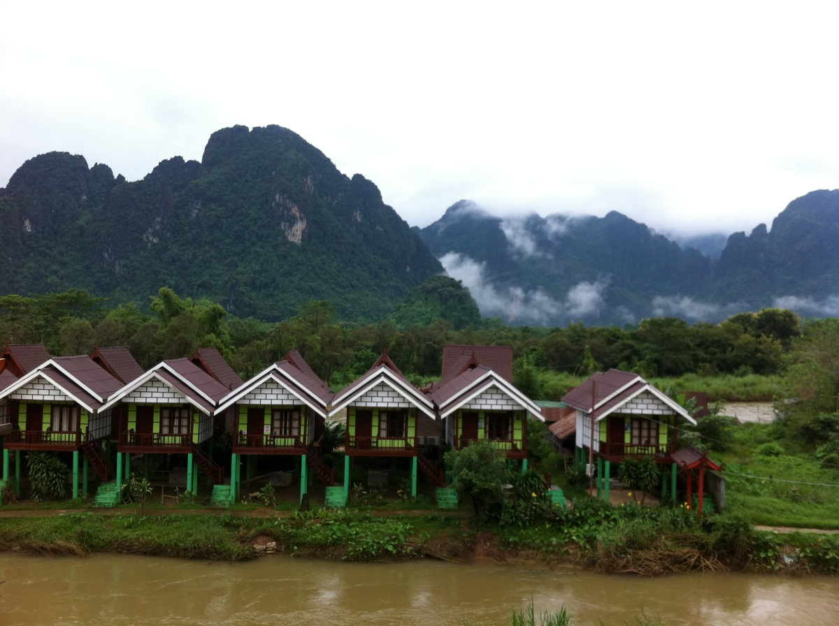 Laos: Vang Vieng - Land of Friends, Tubing and Magic Shakes